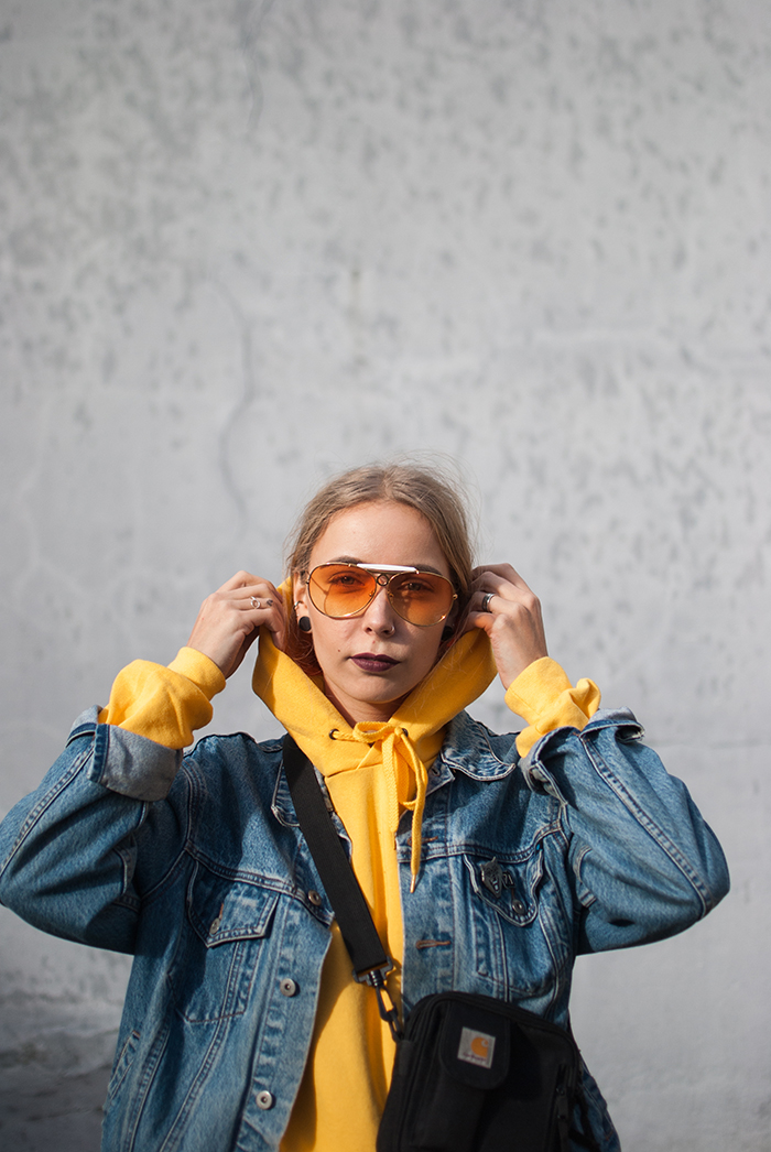 yellow-hoodie_zwillingsnaht_05