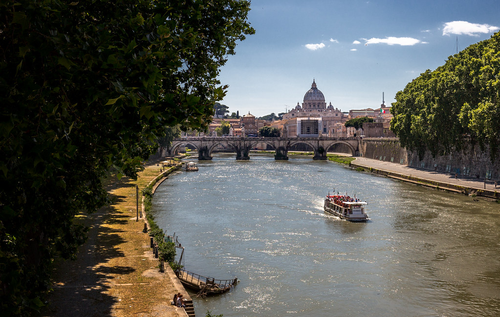 Cruise On The Tiber
