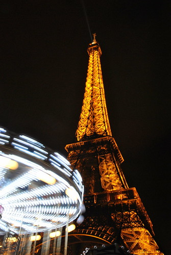 Tour Eifel + carrousel