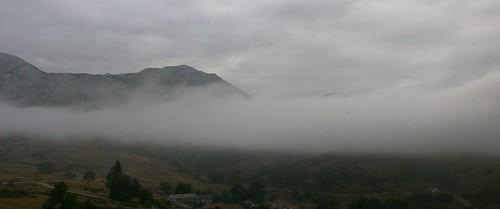 Niebla a media ladera
