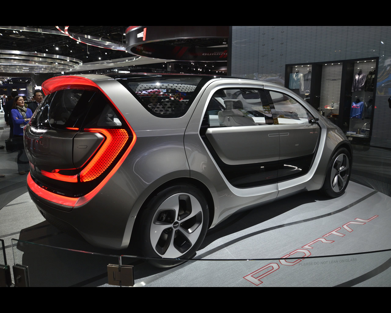 3 - Chrysler Portal concept - Newspress - Detroit 2017 - 1317543__DSC6431