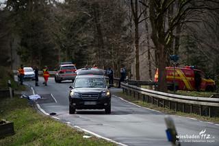 Fußgängerin bei Schmitten von PKW erfasst und getötet