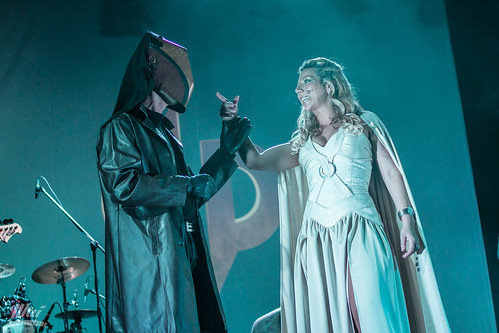Hyde XXI, Dos Mundos Bajo Un Mismo Sol en Mallorca - Teatro Principal de Santanyí, 11/03/2017