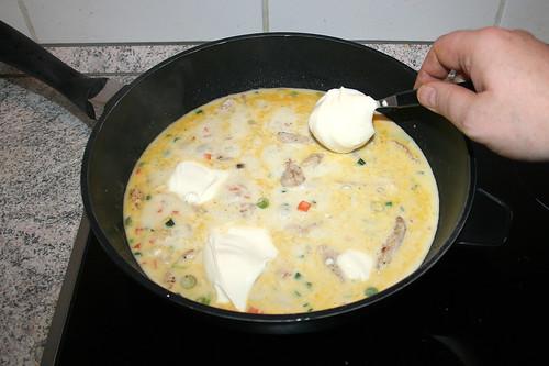 36 -  Schmelzkäse einrühren / Stir in soft cheese