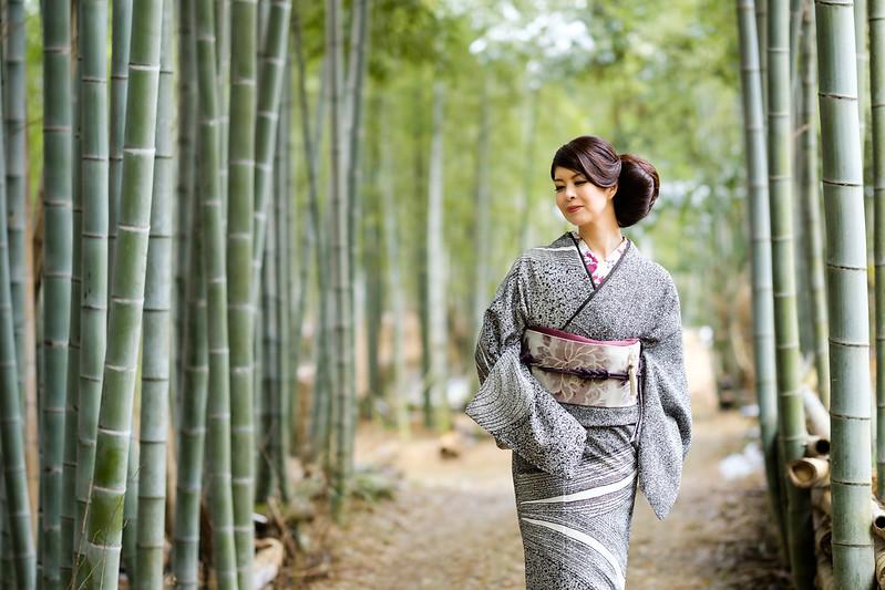 In winter bamboo grove ( Cocoro Kusano )