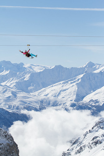 Tyrolienne c cattin ot val thorens 006 office de tourisme de val thorens flickr - Office de tourisme val thorens ...