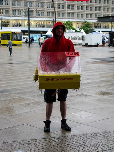 berlin grill runner grill runner hot dog seller in ber flickr. Black Bedroom Furniture Sets. Home Design Ideas