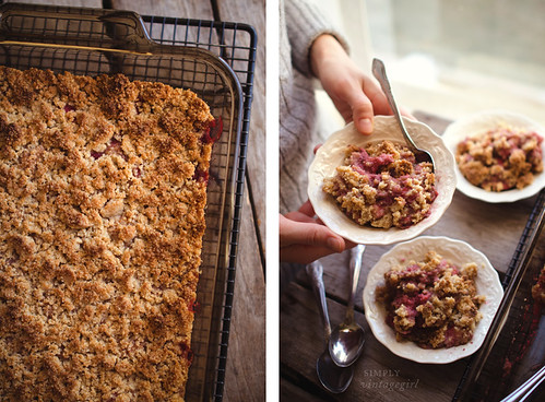Baked Berry Crisp (S) | by Simply Vintagegirl