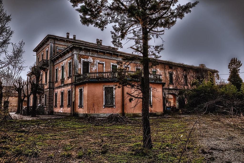 Favoloso Antica villa abbandonata - Caravaggio   Caravaggio è un comu…   Flickr KQ14
