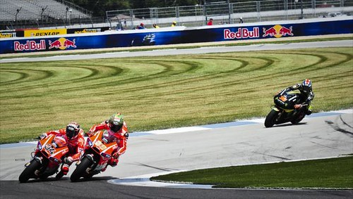 Nicky hayden and andrea dovizioso do battle on the final l for Indianapolis motor speedway com