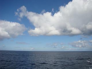 045 Wolken boven zee