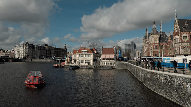 Amsterdam central station & VVV