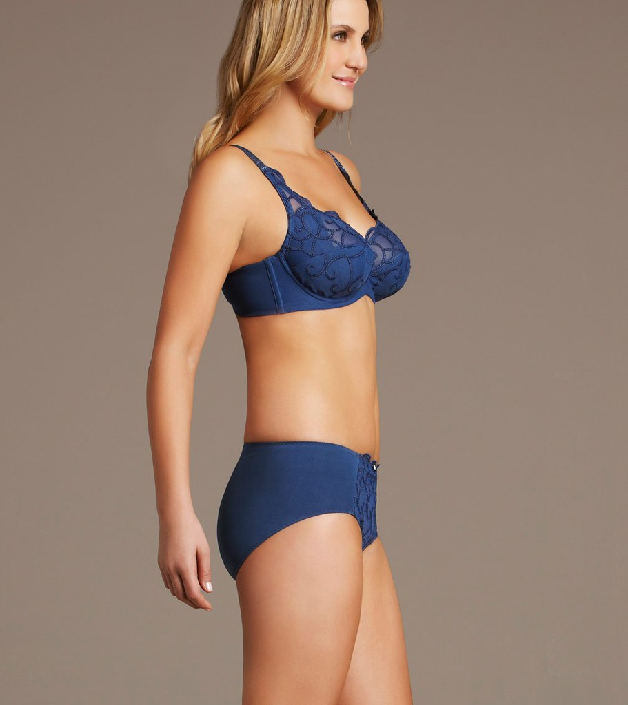 loveofbras fayreform australia mature breast support sweet…   flickr