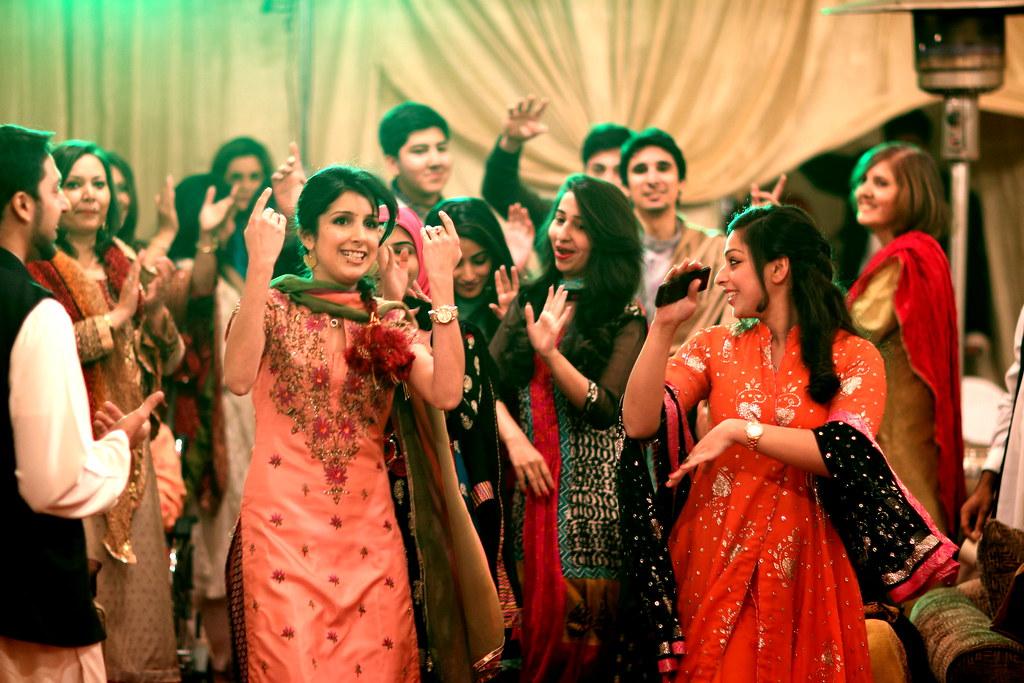 Mehndi Party Dance : Dancing at a pakistani mehndi function u201cdance when youreu2026 flickr