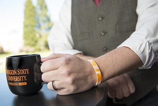 Pollution-measuring wristbands | by Oregon State University
