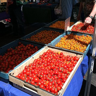 #kvpinmybelly - Hello Red! Tasty cherry tomatoes at #DalyCity Farmers Market #foodspotting #vegetarian | by queenkv