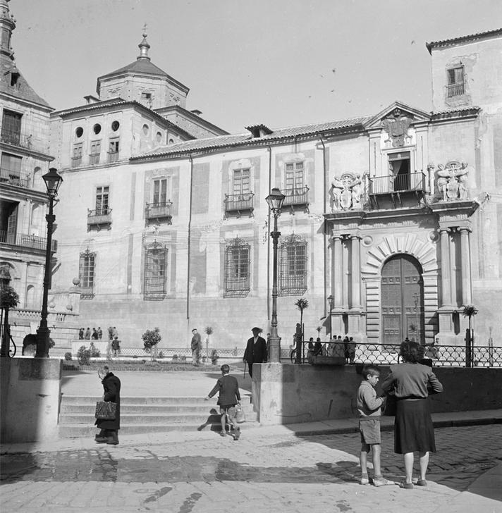 Palacio Arzobispal de Toledo en 1949 fotografiado por Paul Almásy © AKG Images