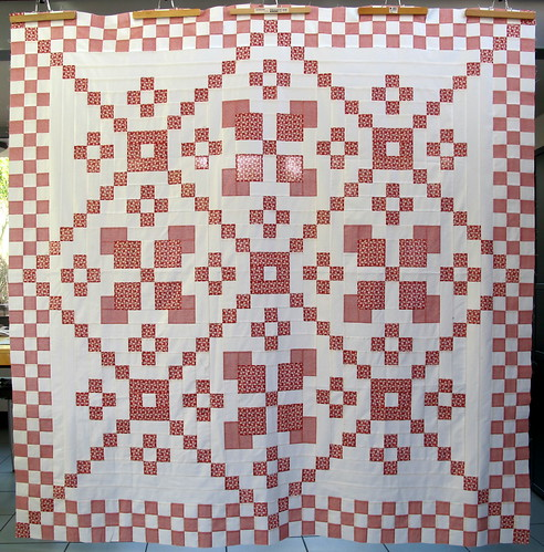 Red and White quilttop finished | by Anne@surelynotanotherproject