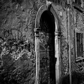 Open the Door.... #doors #open #black #blackandwhite #white #exposure #verona #igers #igersverona #photo #nikon #d750 #streetphotography #streetart #street #friends #followme #follow4follow #photooftheday #photoshoot #picture #image #imagination #idea #ni | by ReflectionPhotographers