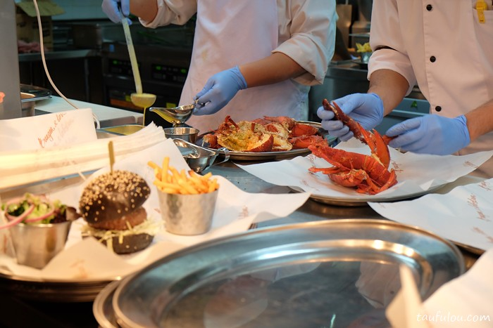Burger and Lobster (13)