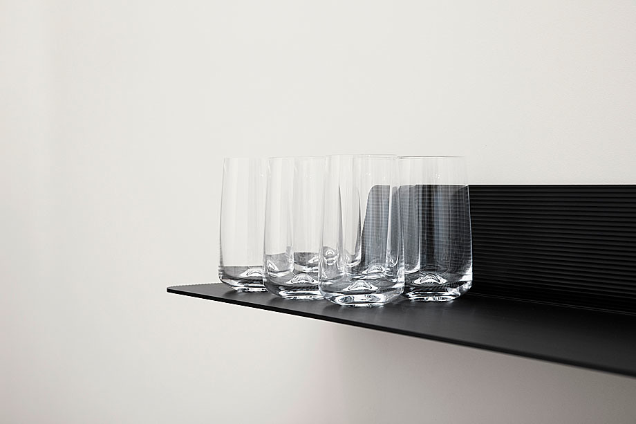 Aluminum shelves in industrial style by Simon Legald from Copenhagen Sundeno_09
