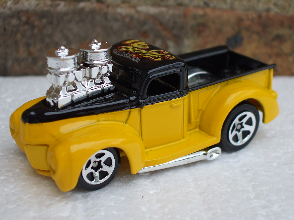 Hot Wheels Tooned 1941 Ford Pick Up Truck Yellow Black Flickr Pickup Beetle2001cybergreen By