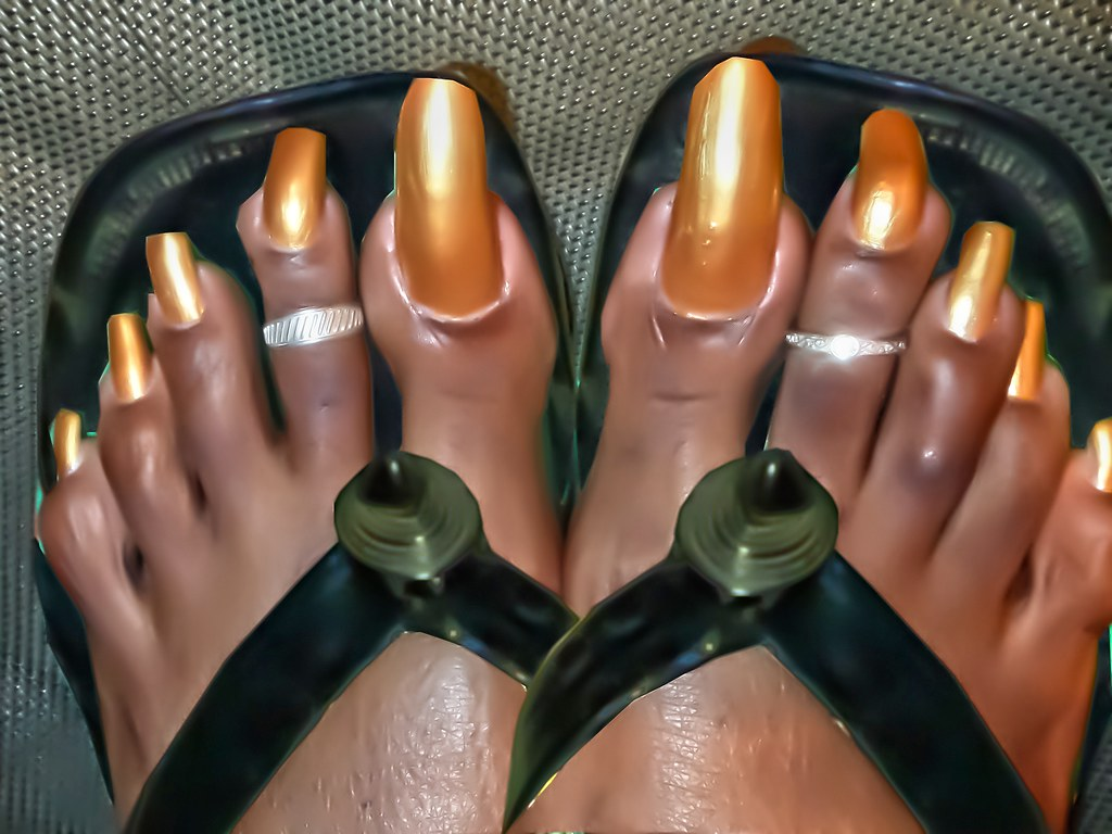 very long toenails in african sandals   a collection of very…   Flickr