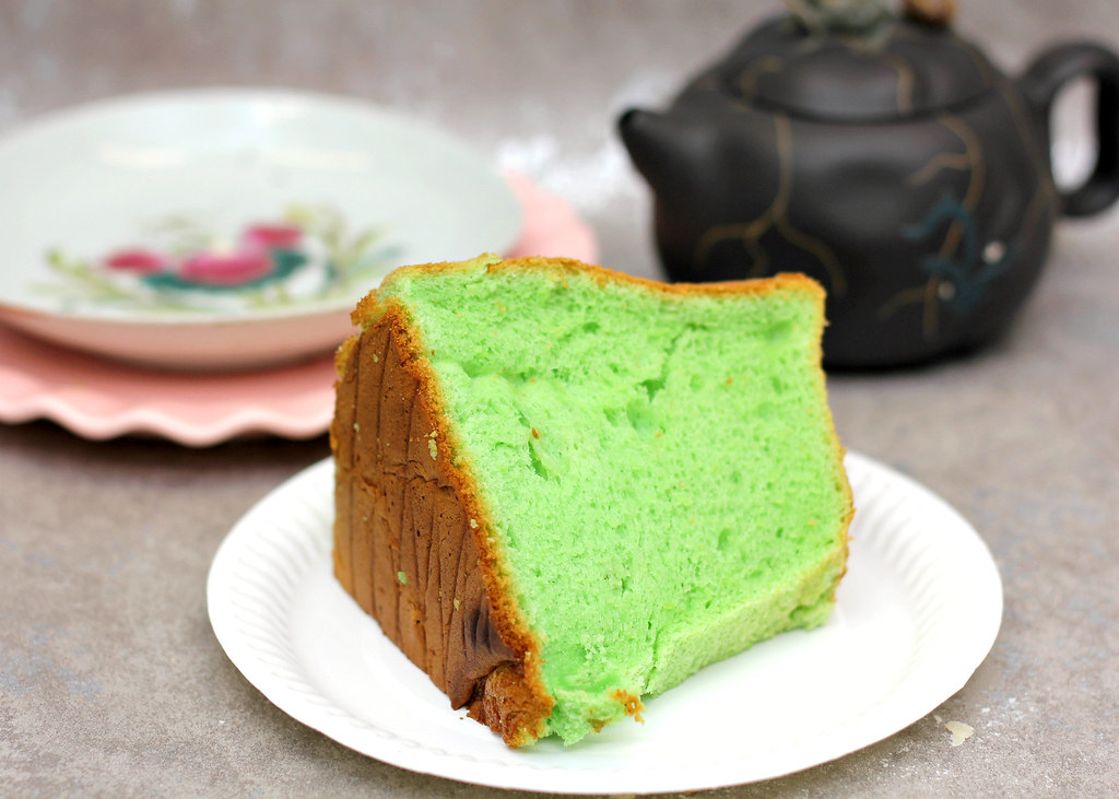 The Ultimate Pandan Chiffon Cake: Balmoral Bakery