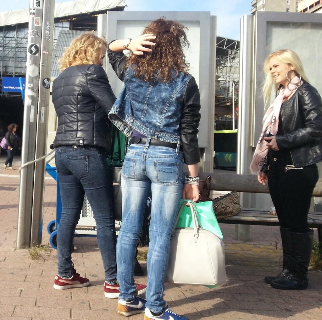 Candid Ass & Tight Jeans Pics & Vids - MOTHERLESSCOM