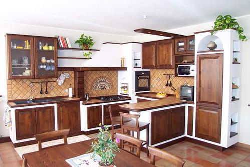 Cucina in finta muratura con penisola cazzaniga cazzaniga arredamenti flickr - Cucina in muratura con penisola ...