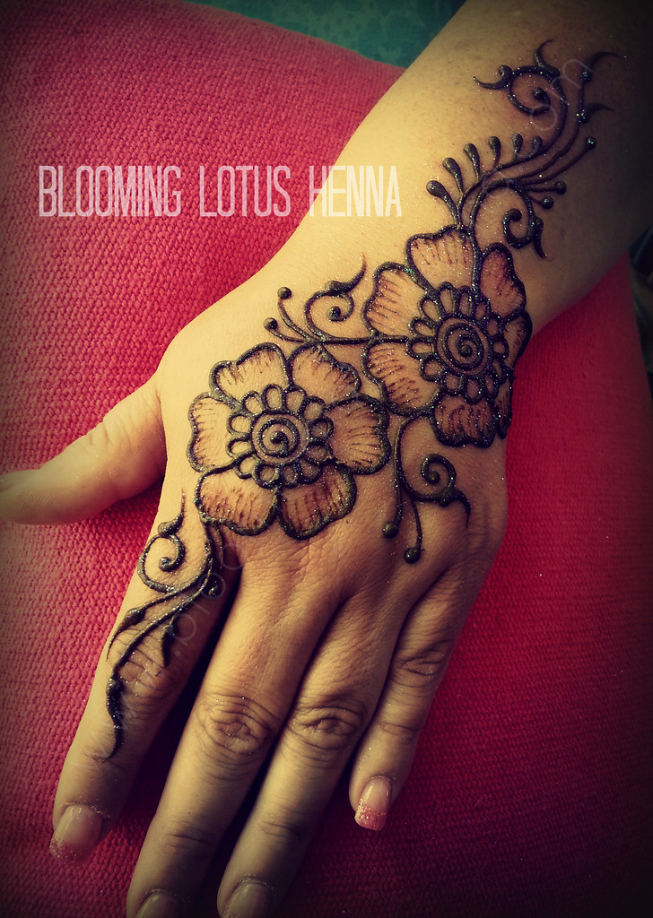 Vines And Flowers Henna Strip Hand Www Bloominglotushenna Flickr