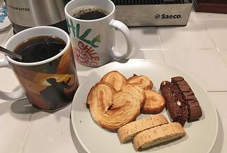 Peet's Coffee and Tea - Major Dickason's Blend Dark Roast Drip biscotti