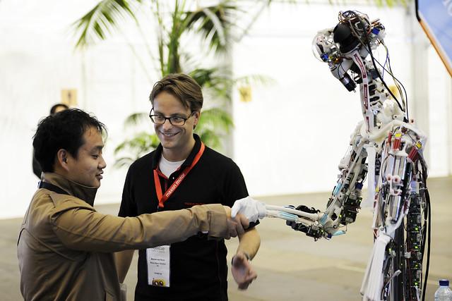 BvOF RoboCup2013 - handshake