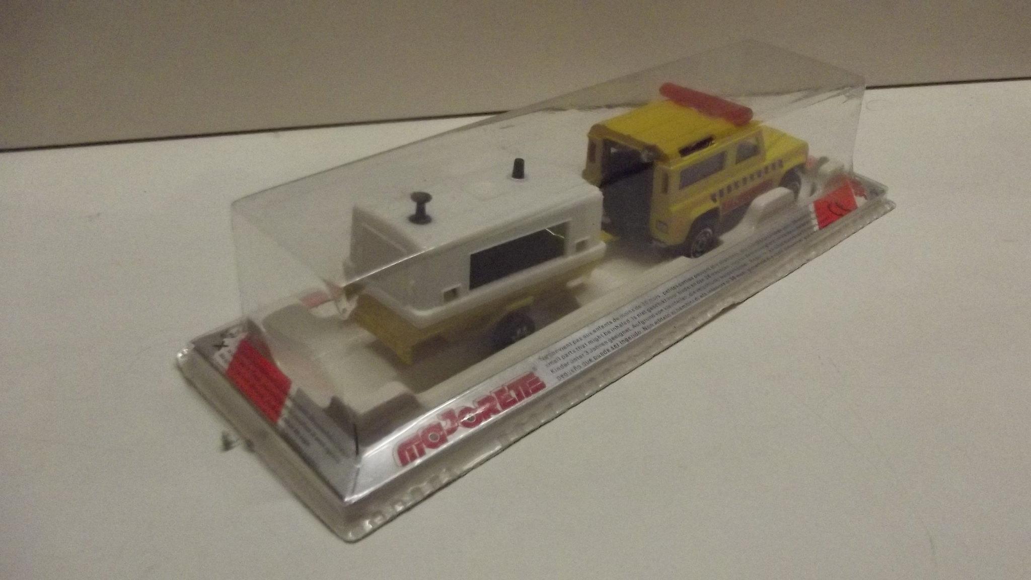 N°382 Land Rover + Compresseur  32321401814_47ed7abb73_k