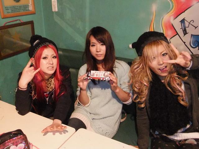 Galmet truck-Ayano, Idyako, and Ruki