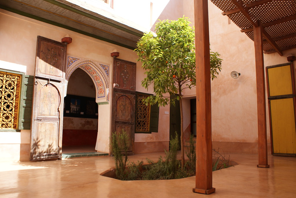 Agréable petite cour du musée Mouassine à Marrakech.