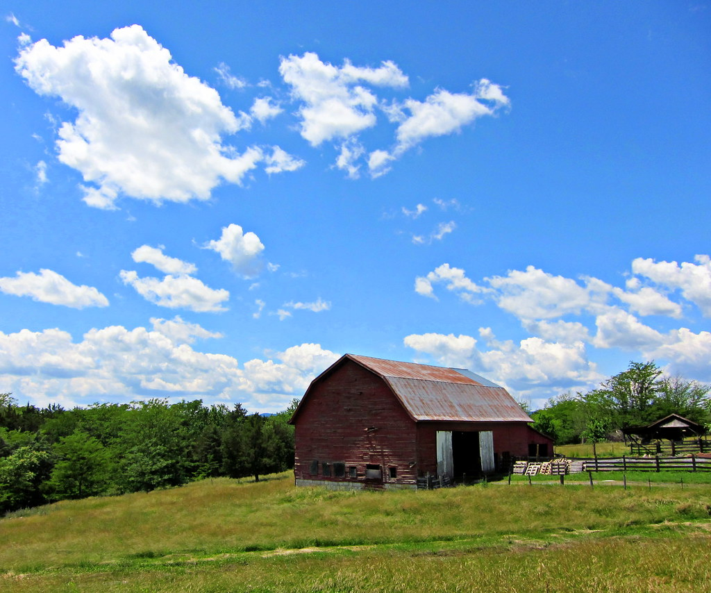 Belle Grove Barn One Of The Barns At Belle Grove Plantatio Flickr