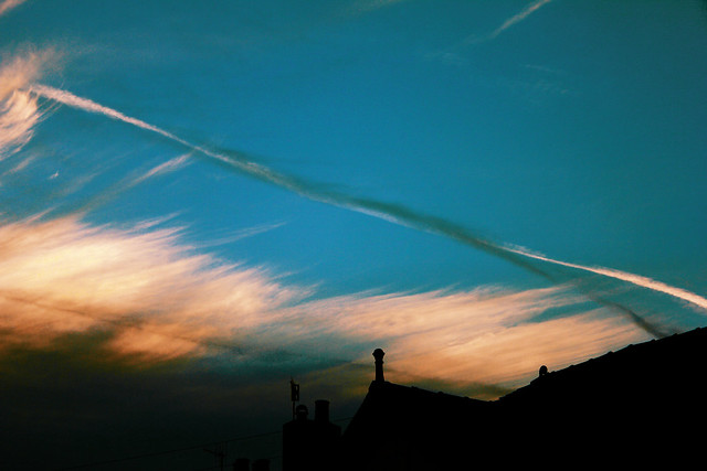 Twisted Contrails