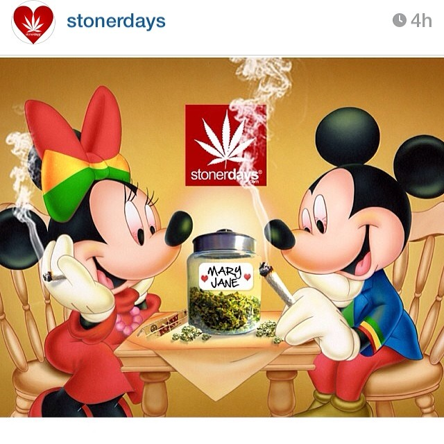 AND MINNIE MOUSE SMOKING SOME WEED S T O N E R DAYS
