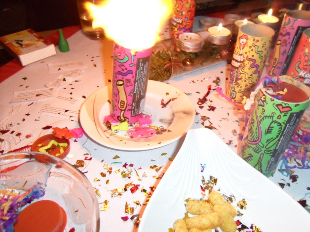 Silvester Sylvester Knallen Tischfeuerwerk Explosion Hell Flickr