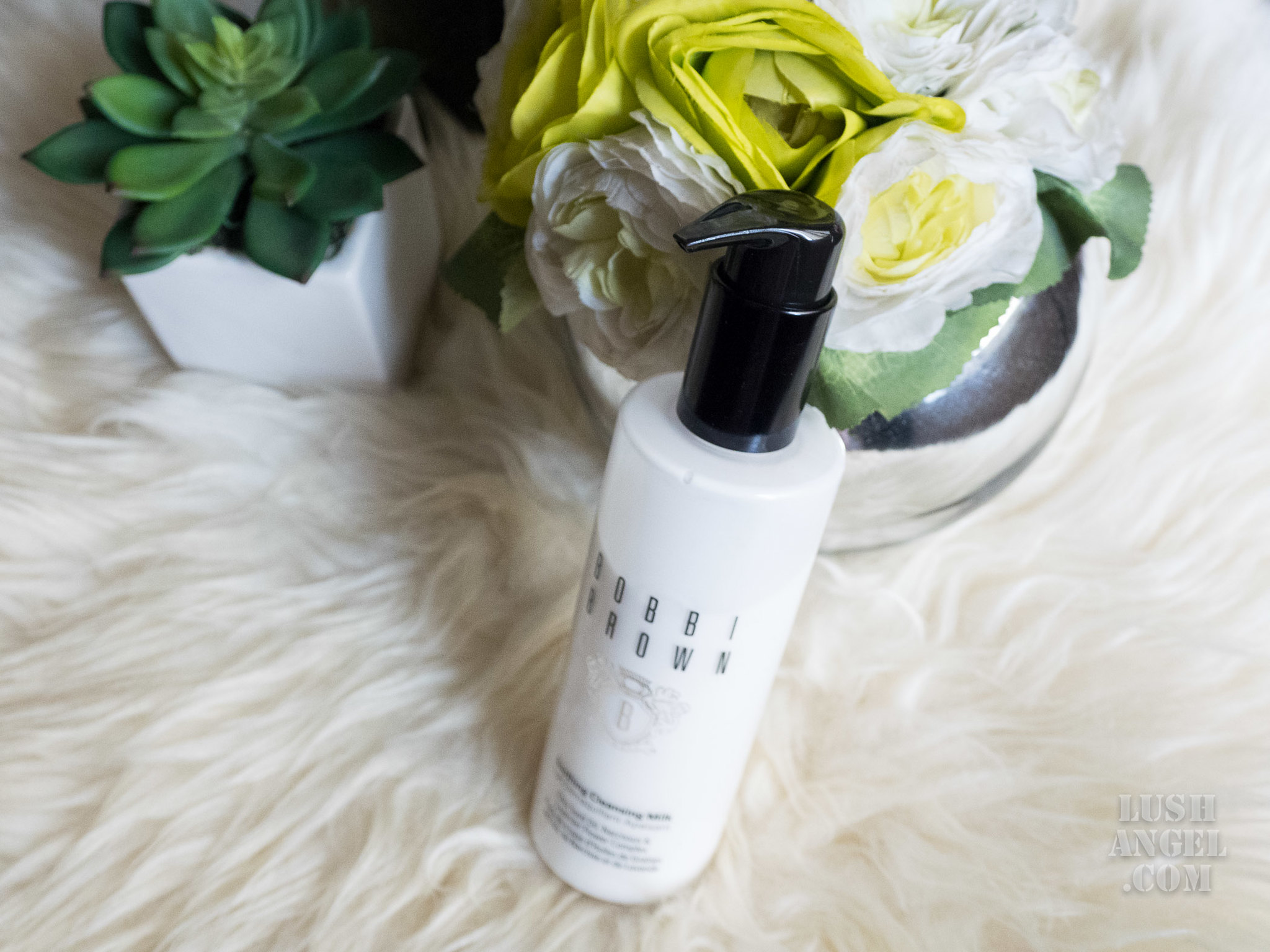 bobbi-brown-soothing-cleansing-milk-review
