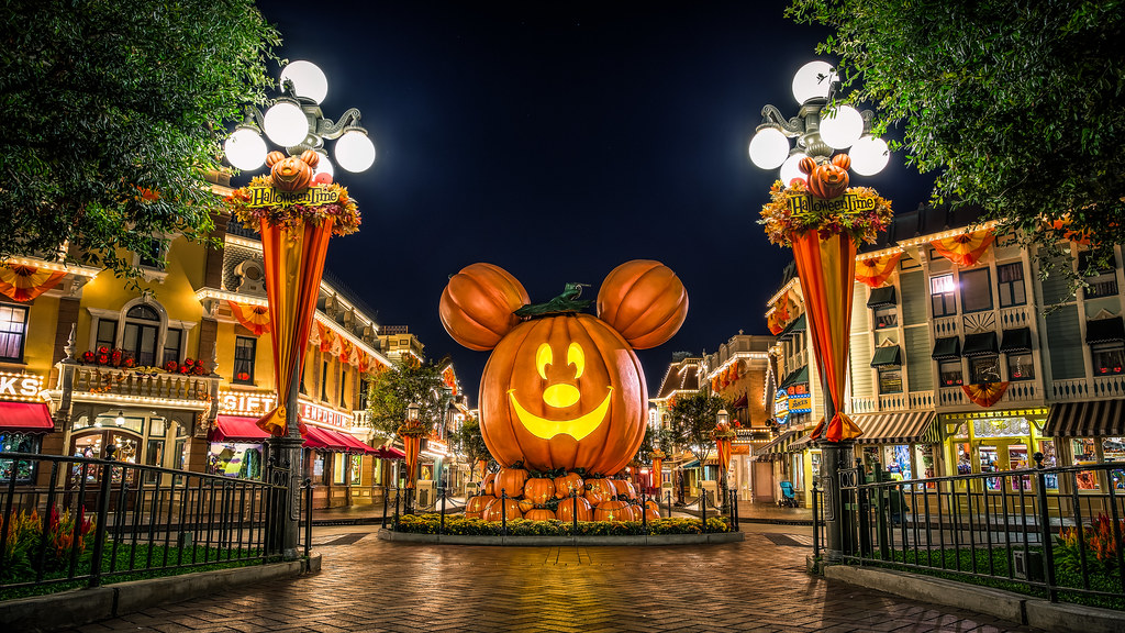 Disneyland Halloween Time - 2013 Edition | As of last Friday… | Flickr