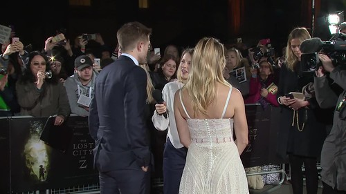 "#13 Rob Pattinson interview media Premiere""The Lost City of Z""  Red Carpet"