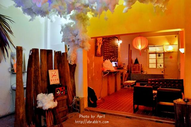 33204233432 a0f1ef20ce o - [台中]洞穴The Cave--一個充滿藝術且自由般放氣息的神秘咖啡館兼酒吧@北區 五權路