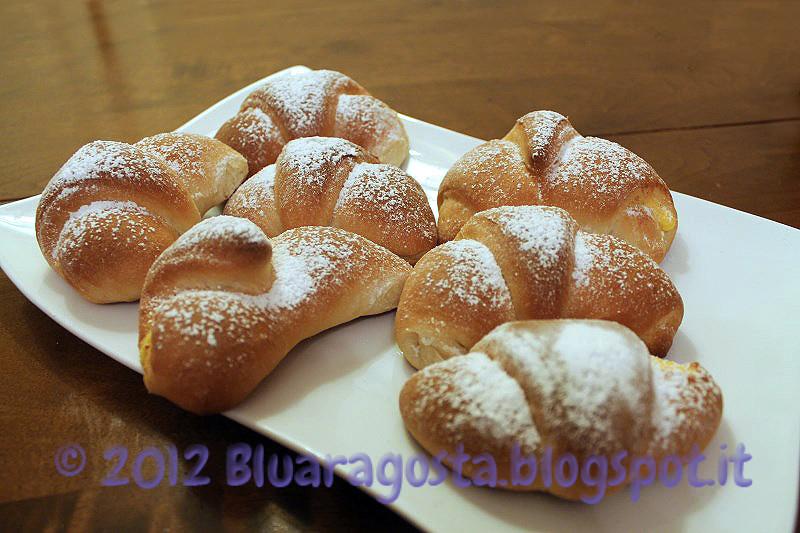 04-croissant con crema di ricotta allo zafferano