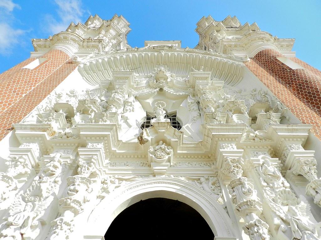 Vista de la fachada de la basílica de Ocotlán en Tlaxcala