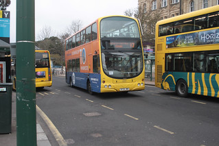 Yellow Buses 183 HF04JWD | by peterolding