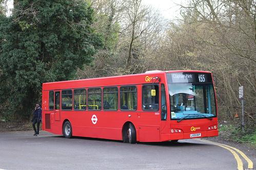 Metrobus SOE31 on Route 455, Purley Old Lodge Lane