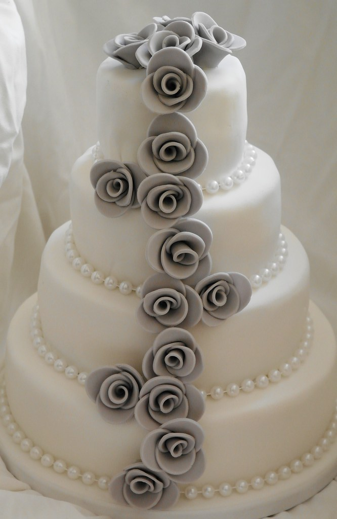 Grey Rose Cascade And White Pearl Wedding Cake Four Tier S Flickr