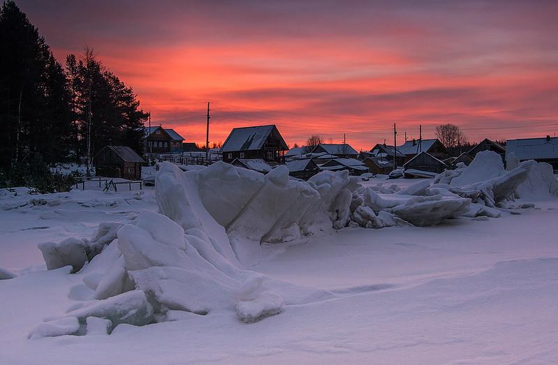 Ice hummocks in Nilmoguba village